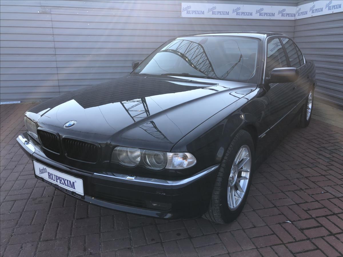 BMW Řada 7 4,0 740 D