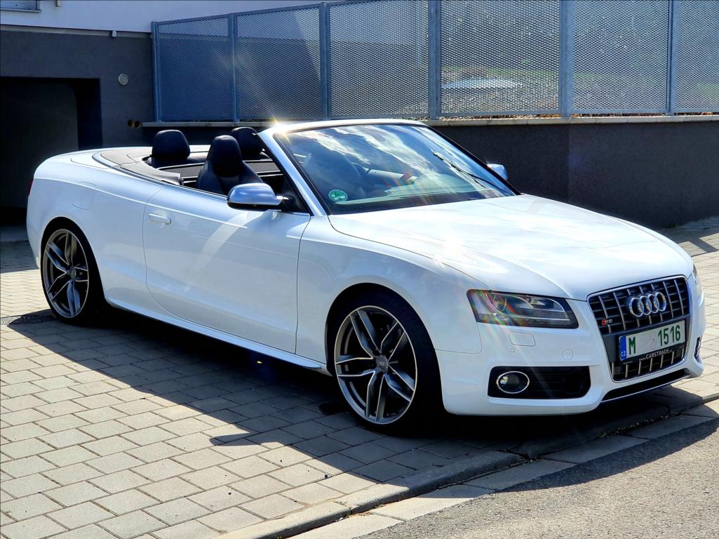 http://www.autocaris.cz/car_foto/189/556994/1O14265.jpg