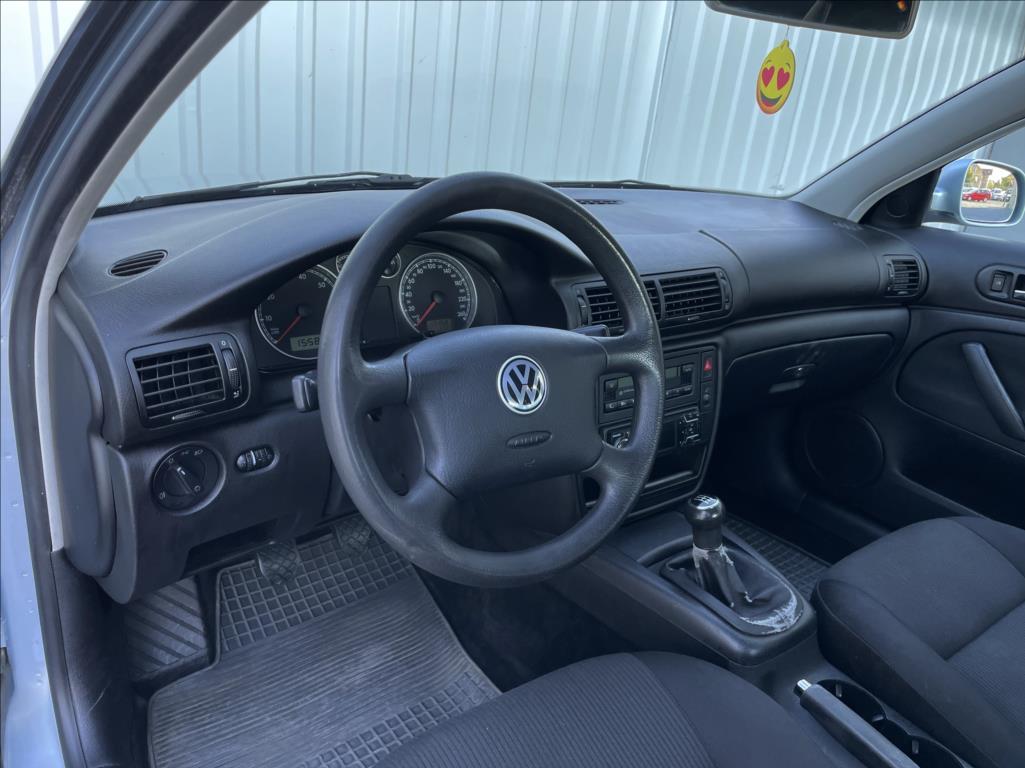 Volkswagen Passat - 21. photo