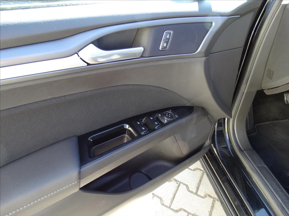 Ford Mondeo 2,0 TDCi AUT 2míst spanívzadu