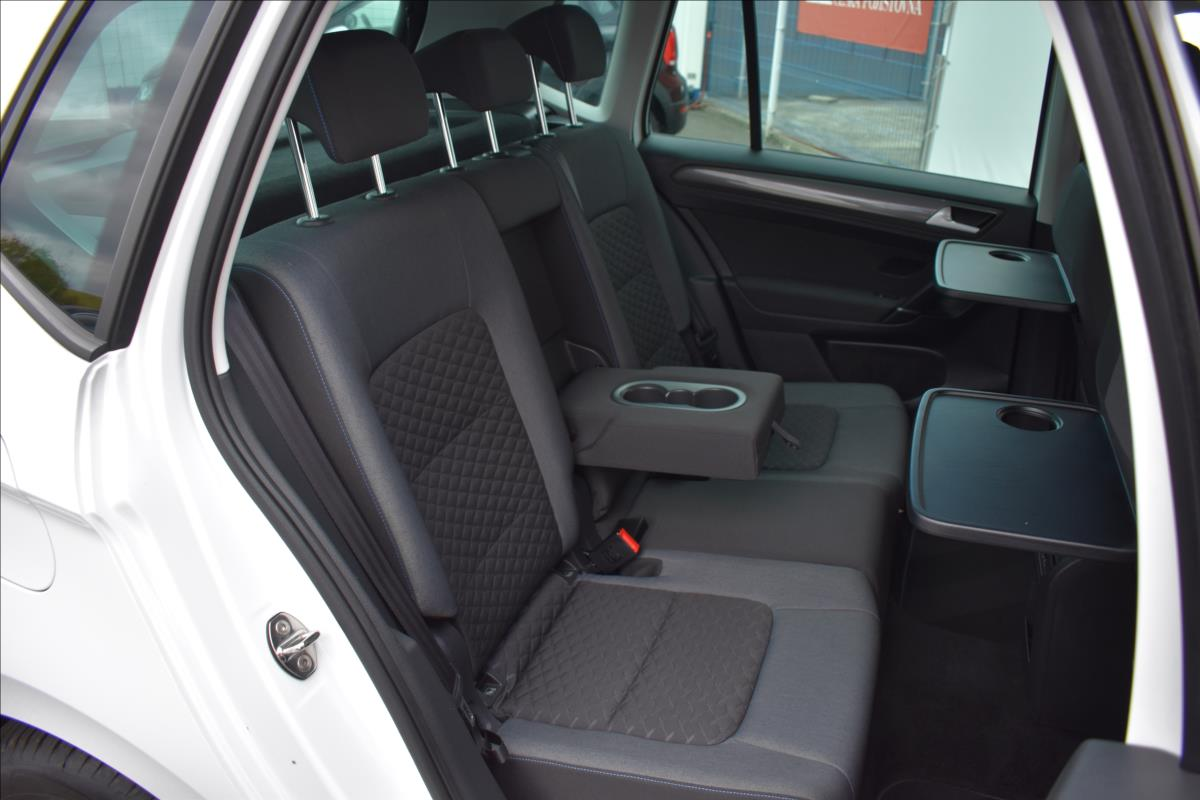 Foto 16 Volkswagen Golf Sportsvan