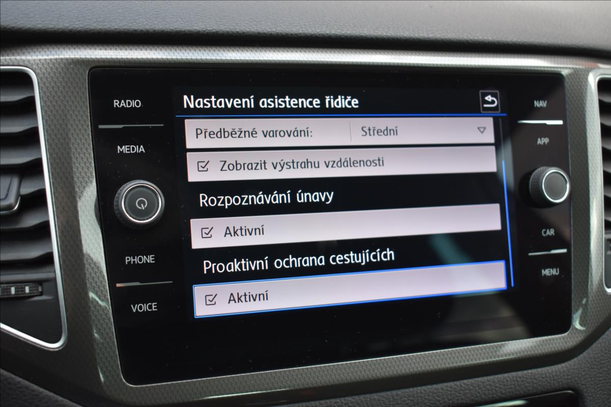 Foto 34 Volkswagen Golf Sportsvan