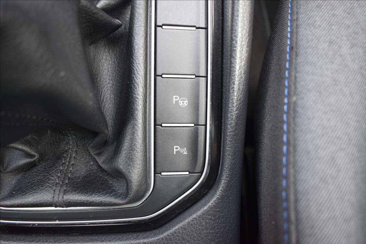Foto 42 Volkswagen Golf Sportsvan