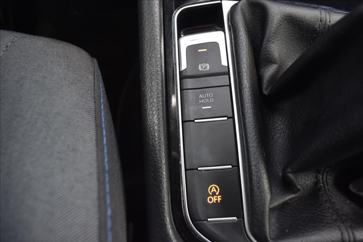 Foto 43 Volkswagen Golf Sportsvan